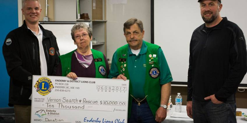 Enderby and District Lions Club donation to VSAR