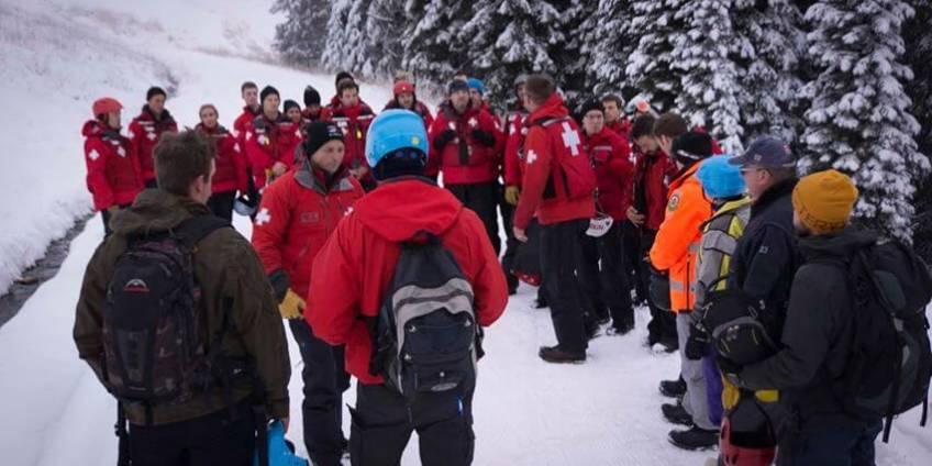 VSAR conducted Lift Evacuation Training alongside the Silver Star Ski Patrol